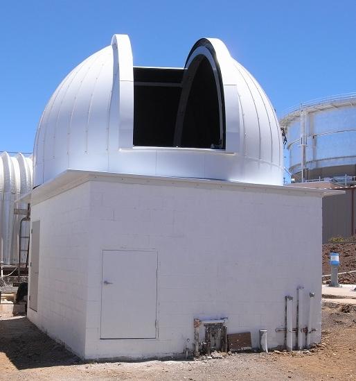 2014年6月、ハレアカラ山頂の東北大学ドーム建物が完成した。